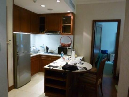 Treetops Executive Residences Singapore : Kitchenette in 2 Bed Superior Apartment