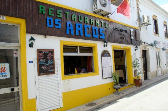 Os Arcos Restaurante : Restaurant front