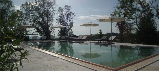 Boutique Hotel Leone: Swimming Pool