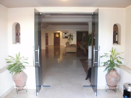 Elounda Breeze Resort: hotels entrance