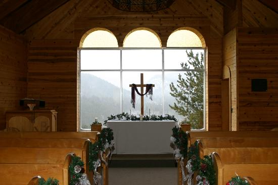 Peaceful Valley Resort and Conference Center: Snowy view from Chapel