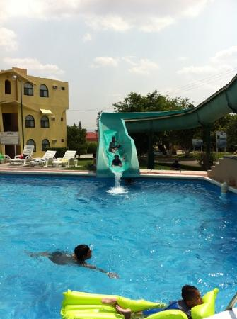 Dorados Conventions & Resort: Uno de los toboganes de niños