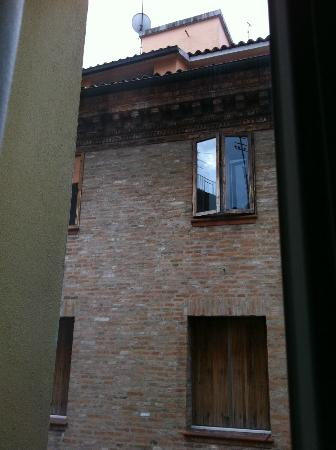 Hotel Corte Estense: room was on a side street