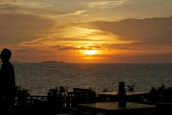 InterContinental Pattaya Resort: Rain cleared for a magnificent sunset.