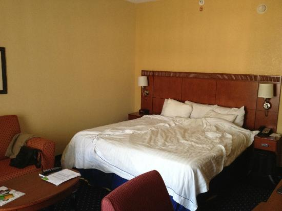 Courtyard by Marriott Melbourne West: room