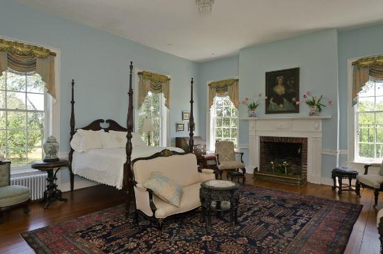 Mulberry Hill: Bedroom