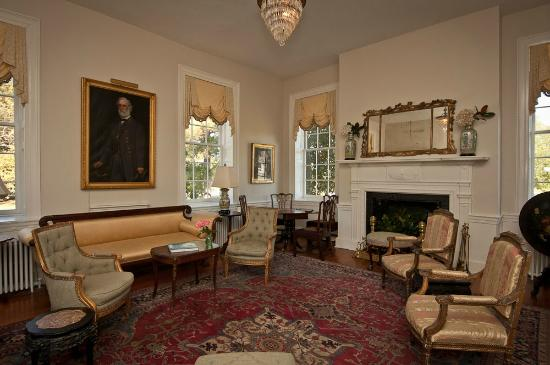 Mulberry Hill: Living Room