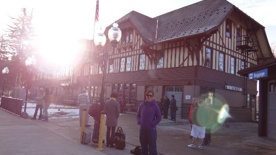 Kintla Lodge: Whitefish Train Station