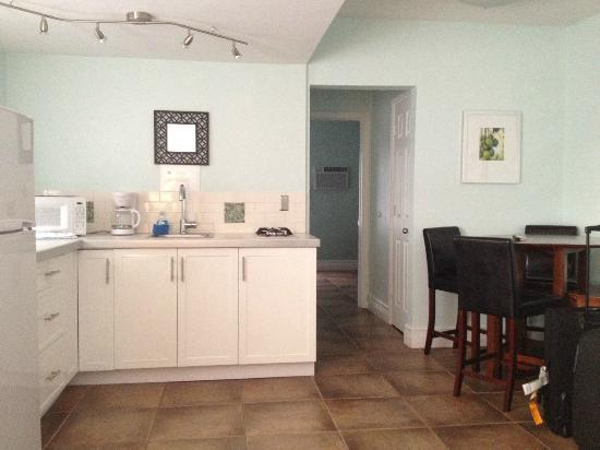 Hollywood Beachside Boutique Suites: room