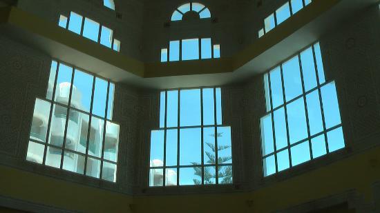 El Mouradi El Menzah: Вид с внутриотельного балкона