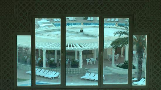 El Mouradi El Menzah: Бар у бассейнов
