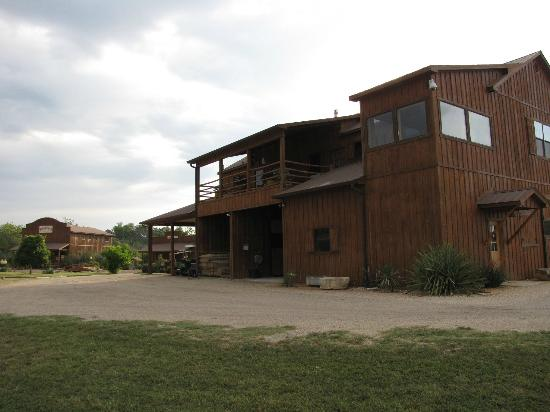 SisterCreek Ranch: Barn and Suite