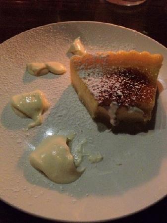 Cafe D'Amore: caramalized lemon tart