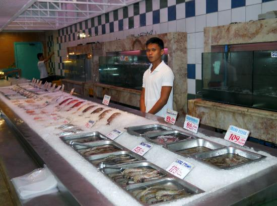 Seafood market and restaurant manila restaurant reviews for Seafood fish market