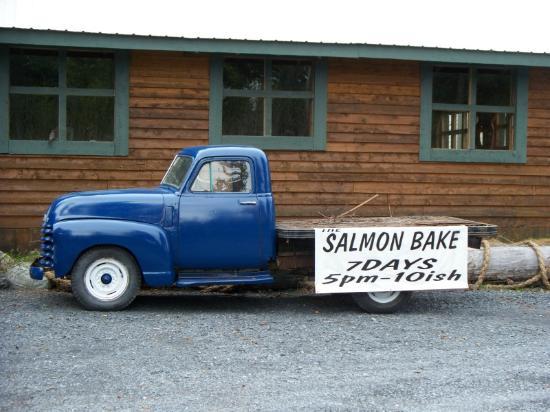 Salmon Bake Cabins : The Salmon Bake