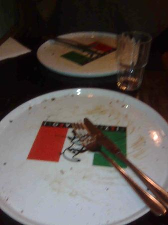 Pizzeria Napoli : An empty plate is a sign of good food!