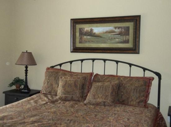 Summit Manor Condominiums: Master Bed