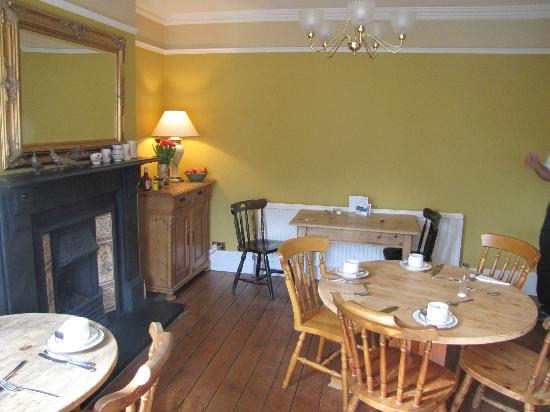 Browns Guest House : Front Breakfast Room