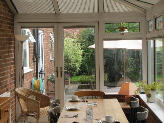 Browns Guest House : Garden Breakfast room