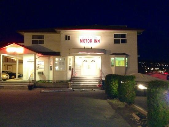 Country View Motor Inn: Entrance to hotel