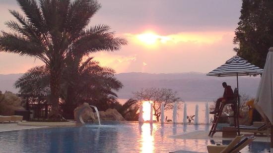 Jordan Valley Marriott Resort & Spa: Jordan Valley Marriott Dead Sea Resort & Spa Sunset