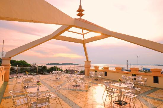 Hotel Laguna: Roof Top, great place to enjoy sunset
