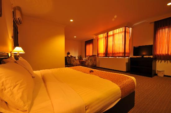 Hotel Laguna: Imperial Room where we stay