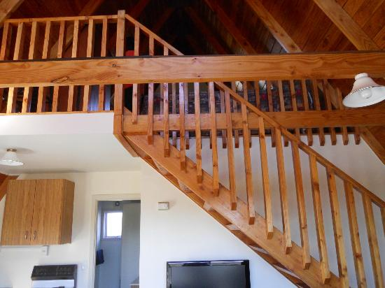 Mountain Chalet Motels: Stairs