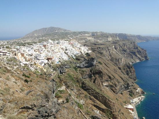 Nomikos Villas: On our way to Fira.