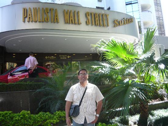 Paulista Wall Street Suítes: Entrada