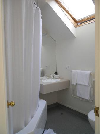 روزوود كورت موتل: Toilet