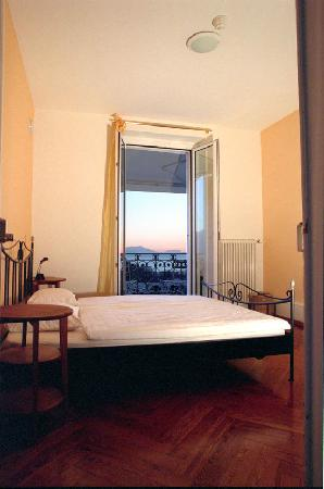 Lausanne Guesthouse & Backpacker: Double room