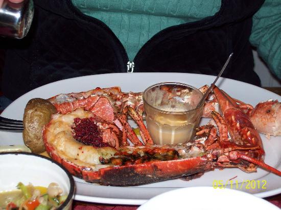 L Atmosphere : Lobster dinner