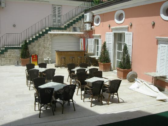 Hotel Tartini: +