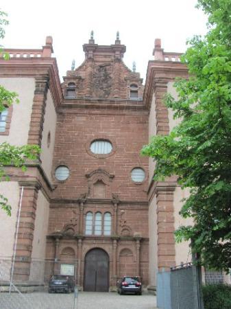 St. Maximin