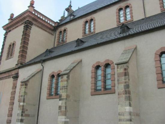 St. Maximin: side wall