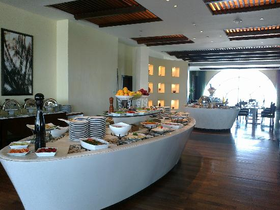 Sofitel Al Khobar The Corniche: Buffet