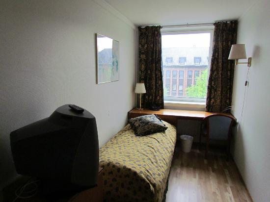 Thon Hotel Trondheim : single room