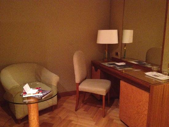 Hotel Exe Majestic: Salottino