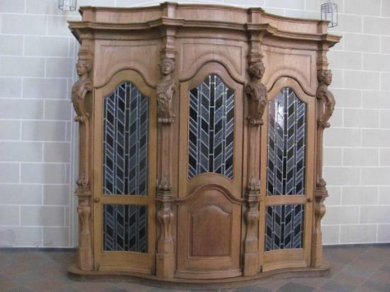 Jesuitenkirche (Jesuit Church): confessional