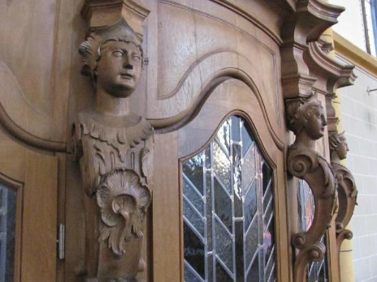 Jesuitenkirche (Jesuit Church): detail confessional