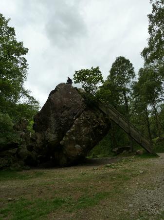 The Bowder Stone: Bowder Stone