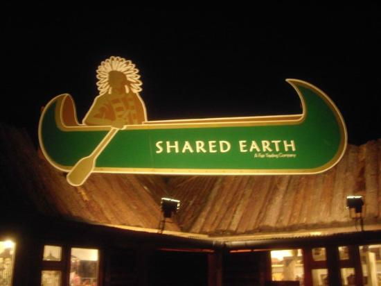 Newchurch, UK: Shared Earth, a Fair Trading company.