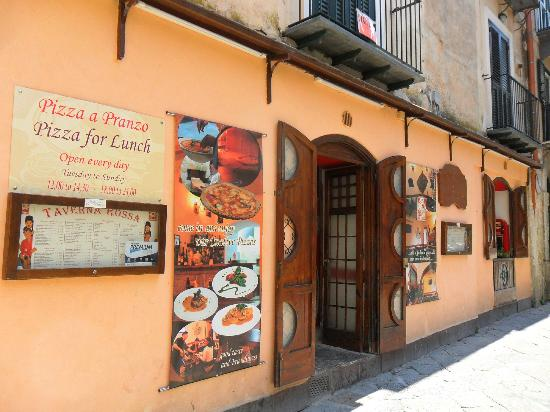 Taverna Rossa: A hidden gem, great authentic food and a great host