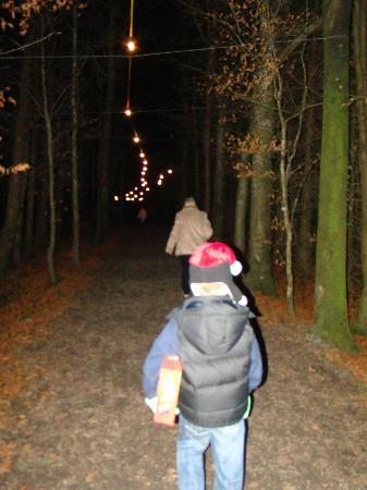 Rathwood : Walking down to Santa