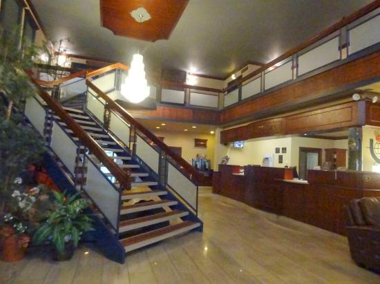 BEST WESTERN PLUS Hotel Universel Drummondville: Reception area