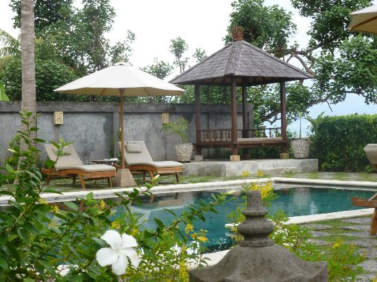 Hotel Genggong at Candidasa : Lovely pool area