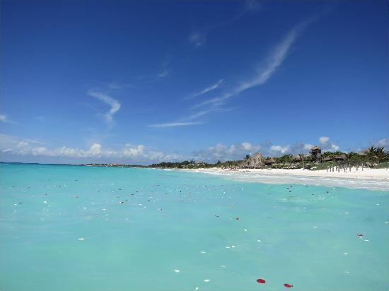 Playa Esperanza: Your beachfront