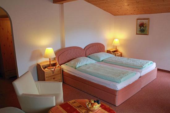 Sonnenhof Igls: Zimmerbsp. 2/ room example2