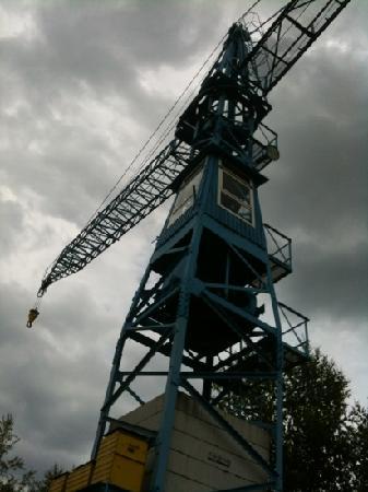 Saechsisches Industriemuseum: 外にあるクレーン。